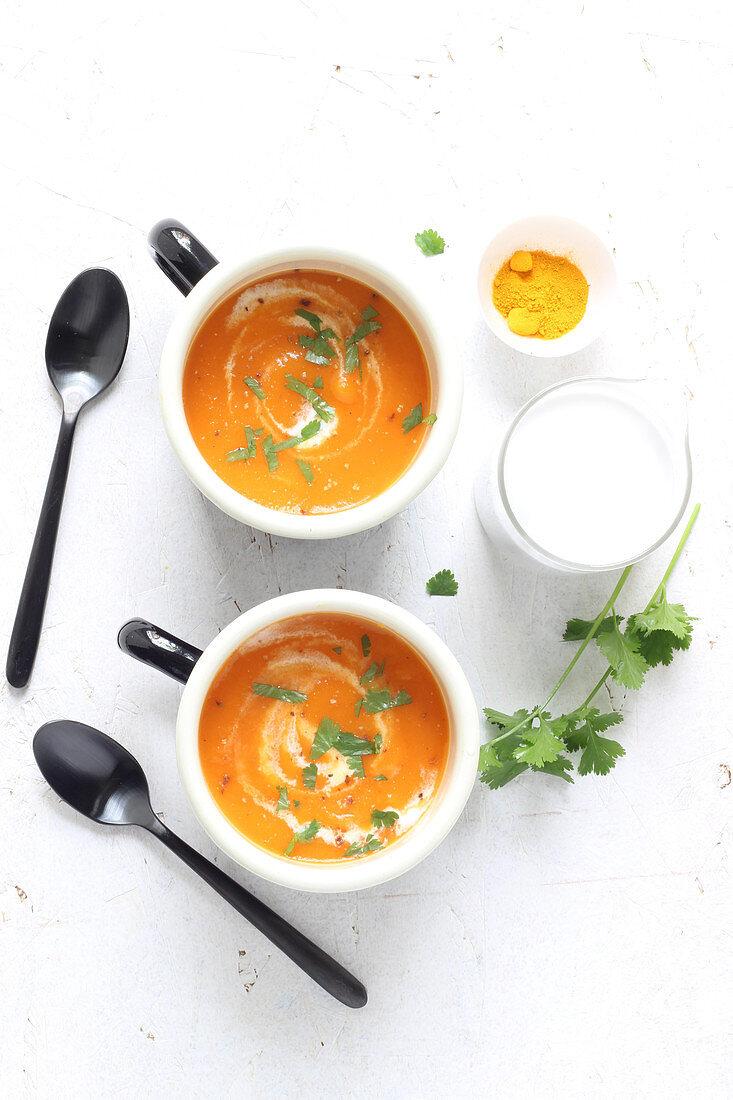 Karottensuppe mit Kurkuma