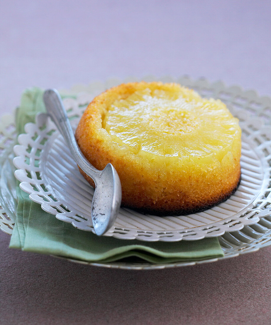 Pineapple Caramelized Cake