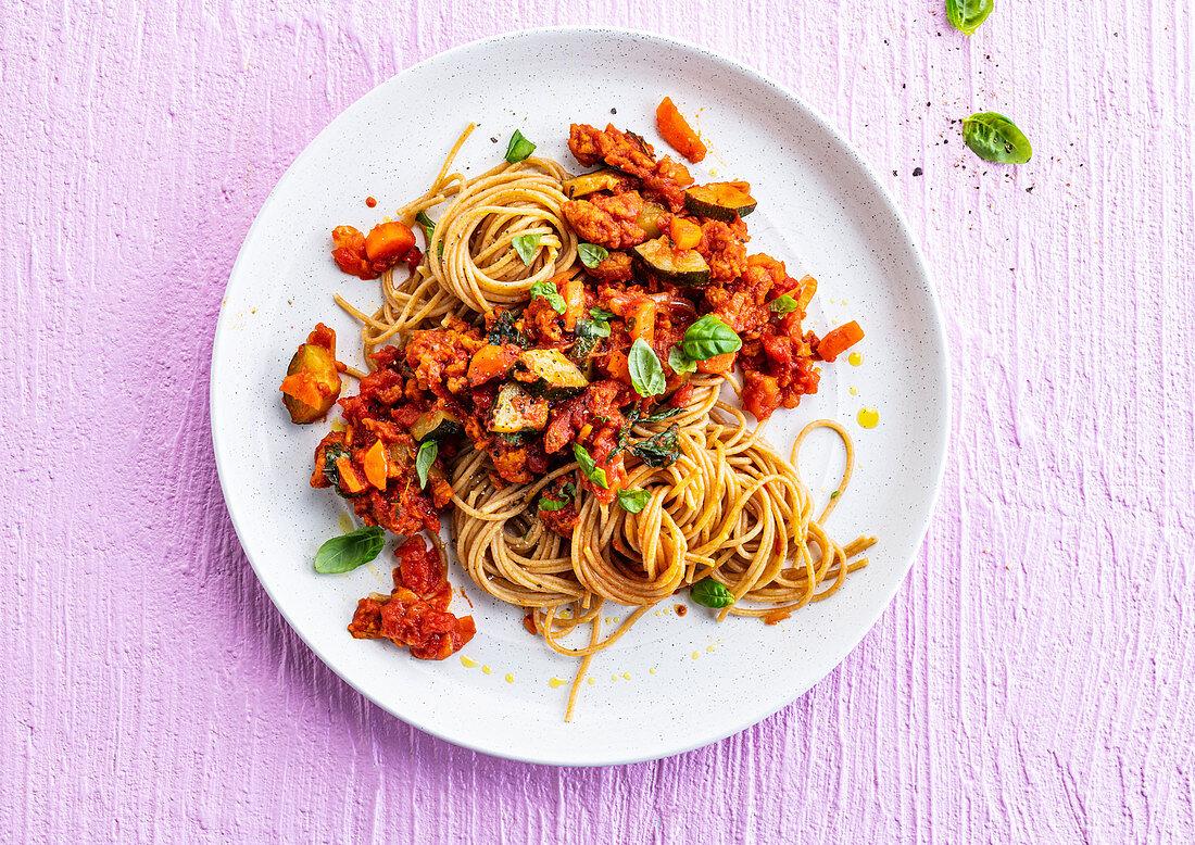 Spaghetti bolognese with zucchini