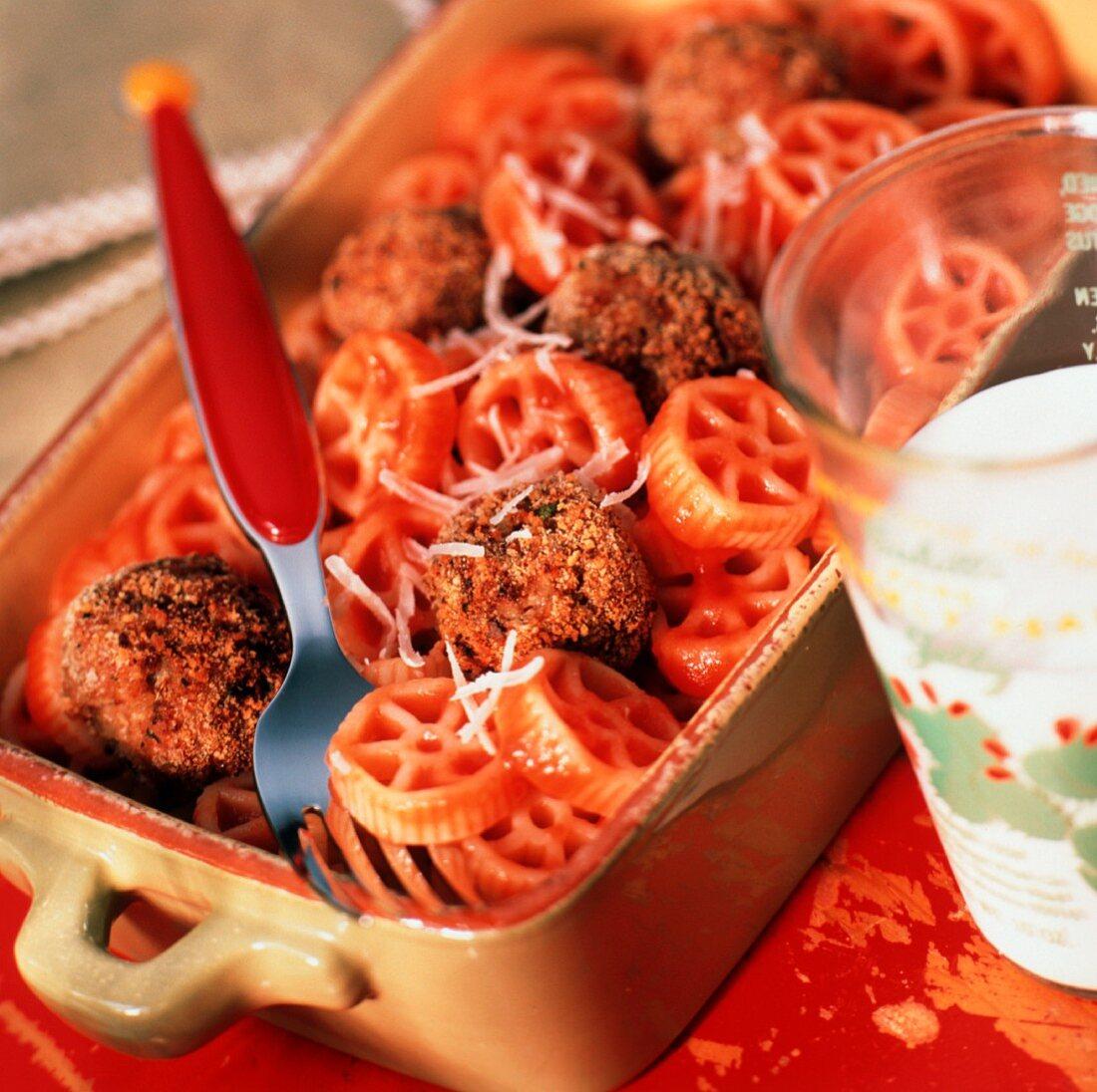 Wagon Wheel Pasta With Meatballs