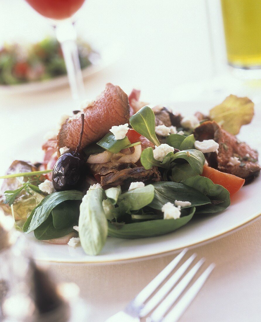 Greek Salad with Roast Beef