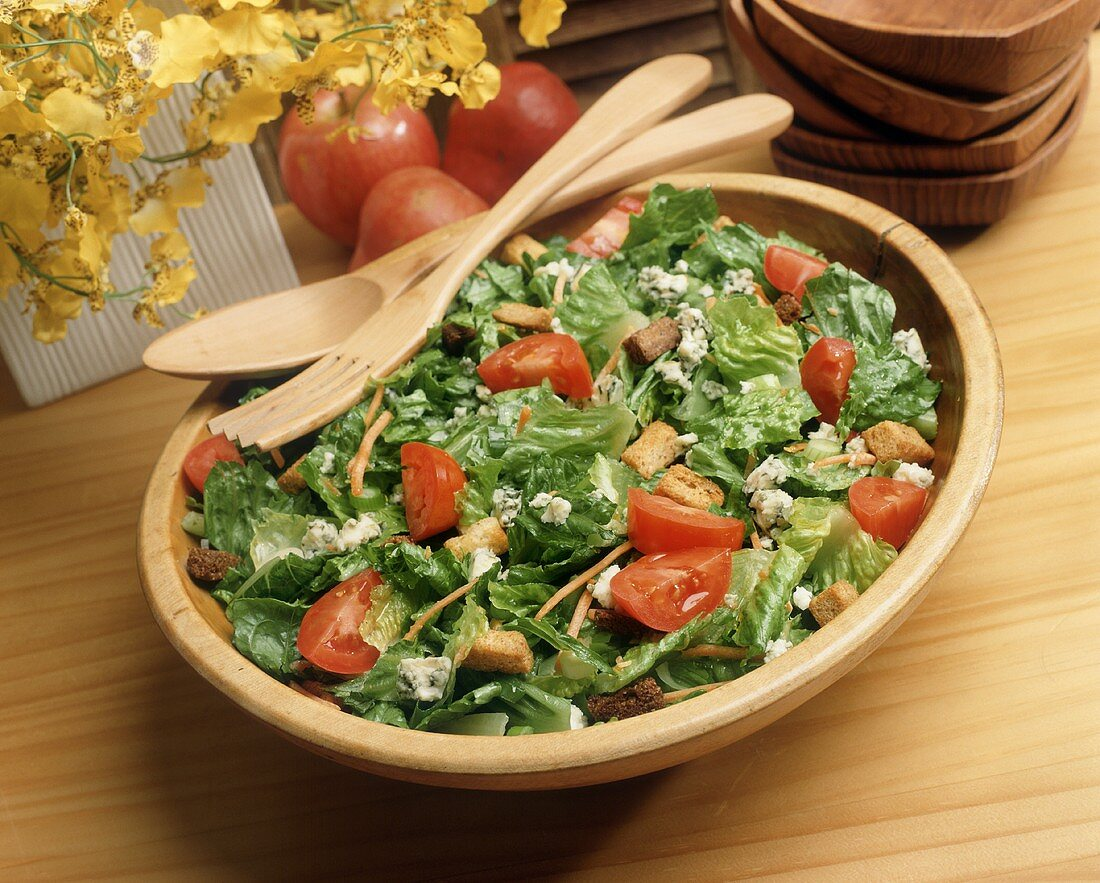 Romaine Salad with Carrots, Tomatoes and Blue Cheese