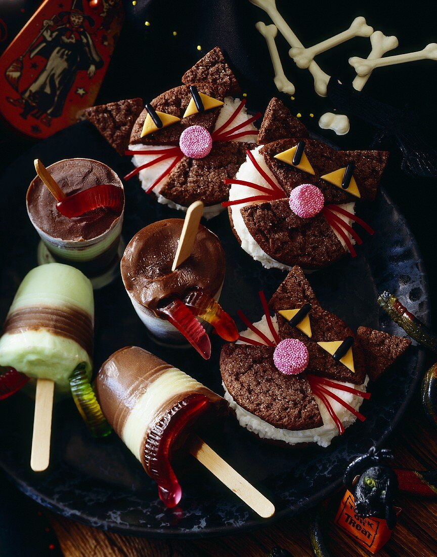 Fun Halloween Treats; Whoopie Pie Cats and Worm Pudding Pops