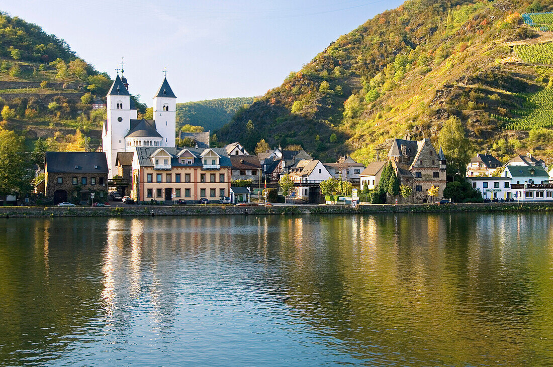 View of Treis-Karden with St. Castor church at Moselle river, Treis-Karden, Rhineland-Palatinate, Germany, Europe