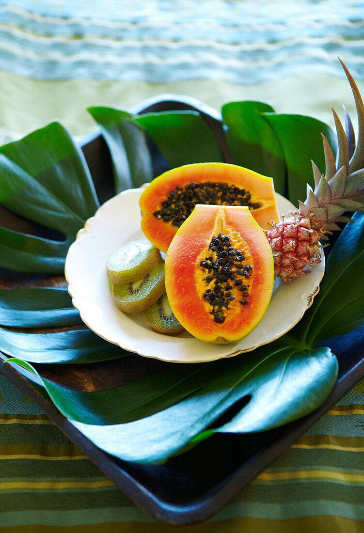 Hawaii, Plate Of Papaya, Kiwi And Pineapple.
