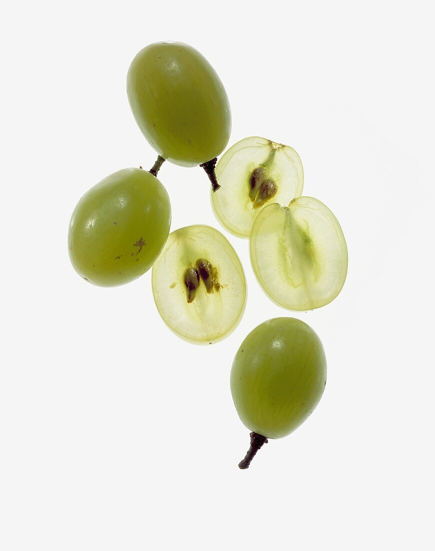 Whole Green Grapes with Slices