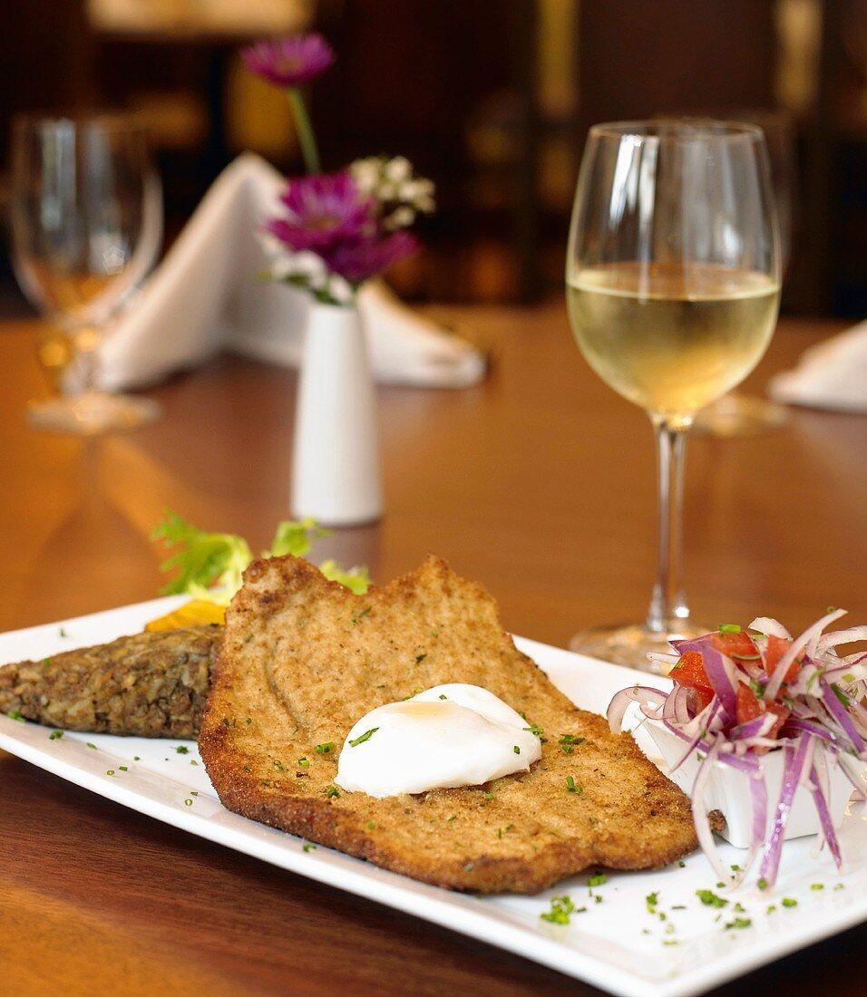 Peruvian Milanesa (Chicken Steak with Fried Egg) with White Wine