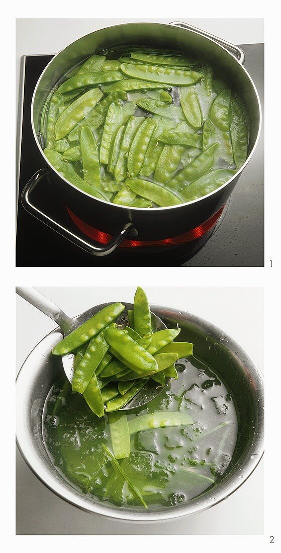 Blanching mangetouts and refreshing in iced water