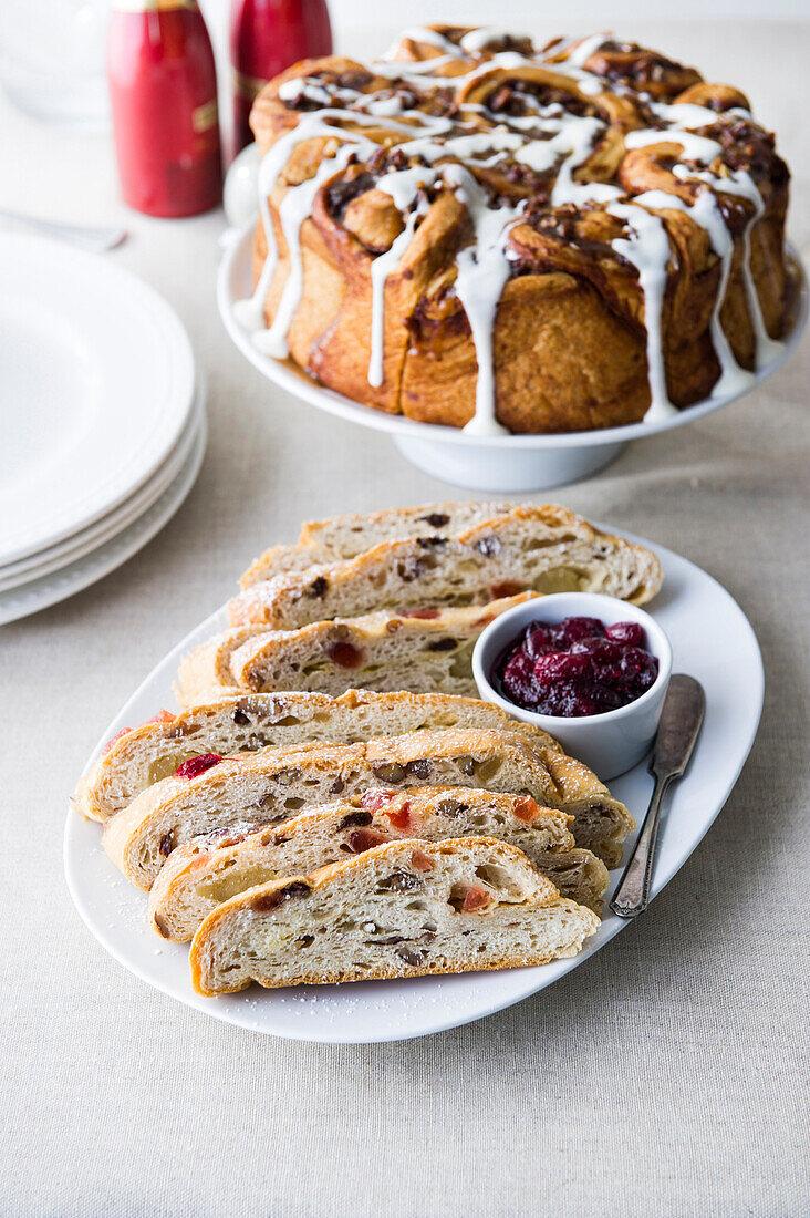 Sweet bread and cinnamon cake