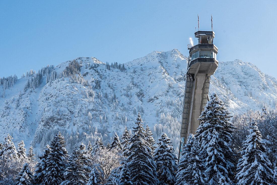 Germany, B avaria, Alps, Oberallgaeu, Oberstdorf, winter landscape, winter holidays, wwinter sports, ski flying, snow, mountains, mountain peaks, coniferous forest
