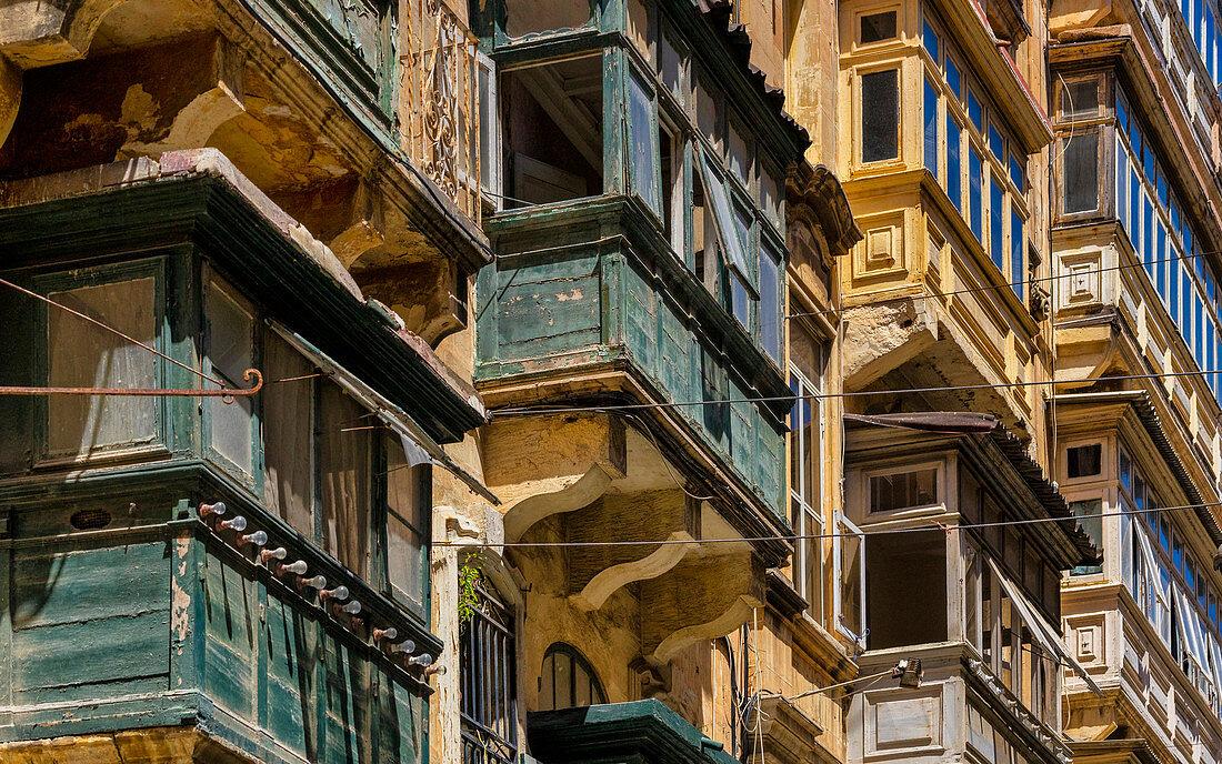 Traditionelle Balkone in Valletta, Malta, Europa