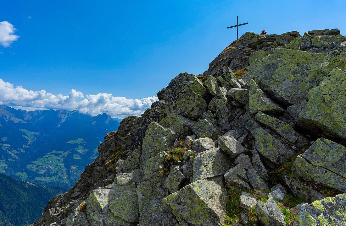 Bergaufstieg zur Mutspitze, dem Hausberg von Dorf Tirol, bei Meran in Südtirol, Italien
