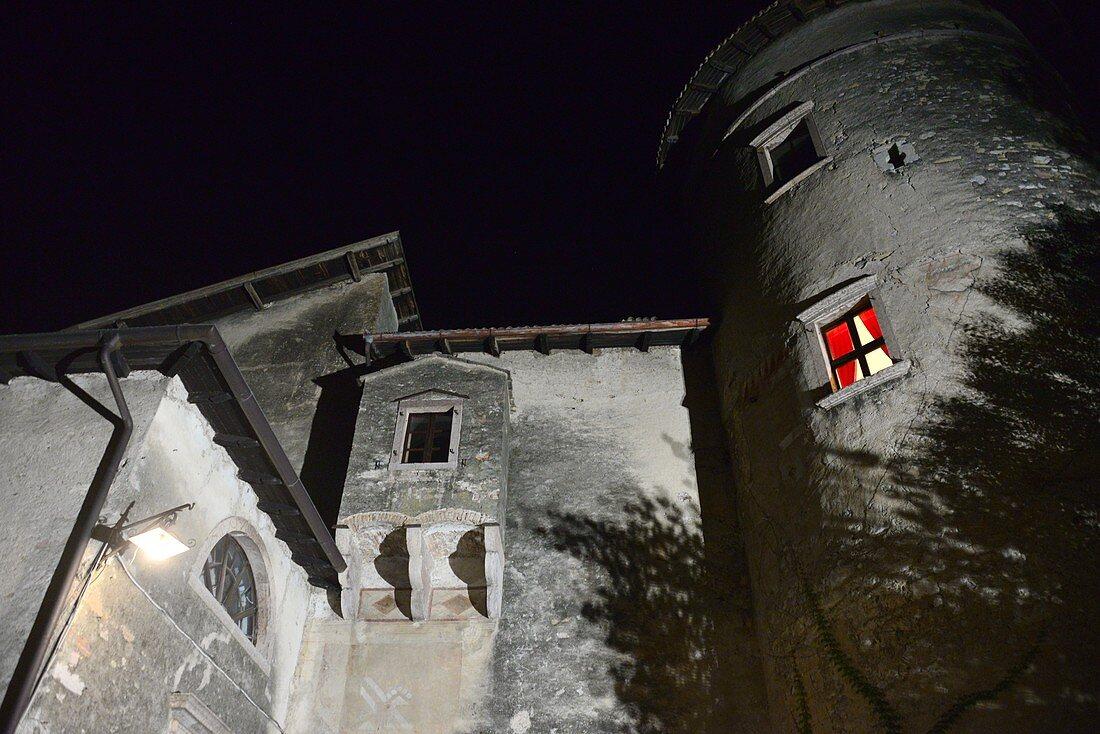 Castel Toblino, Burg am Tobliner See, Trentino, Italien
