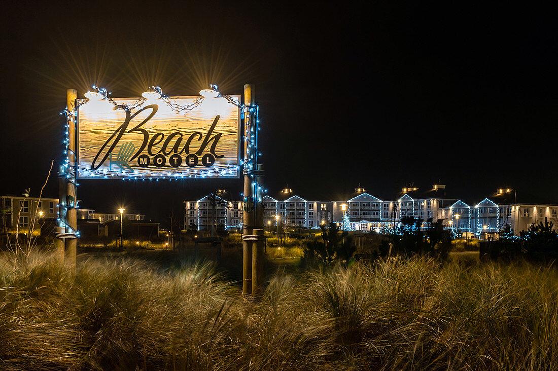 View of the Christmas illuminated Beachmotel in Heiligenhafen, Ostee, Ostholstein, Schleswig-Holstein, Germany