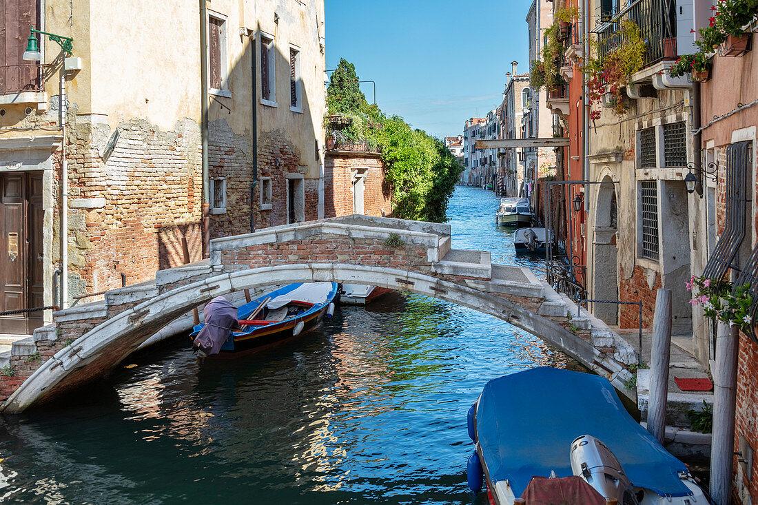 """Bridge """"Ponte de Chiodo"""" in Venice, Veneto, Italy"""