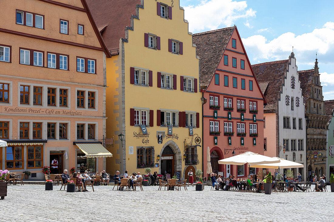 Old houses on the market square in Rothenburg ob der Tauber, Middle Franconia, Bavaria, Germany