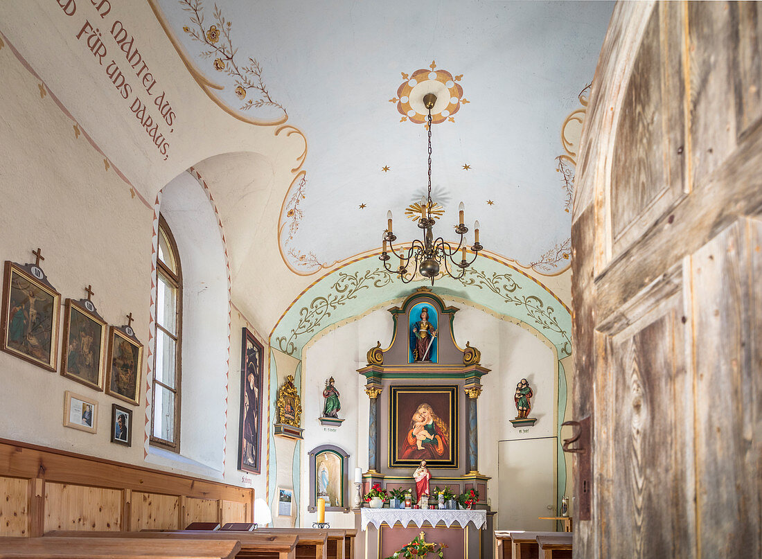 House chapel at the historic Wurzerhof in Winkeltal, Auservillgraten, Villgratental, East Tyrol, Tyrol, Austria