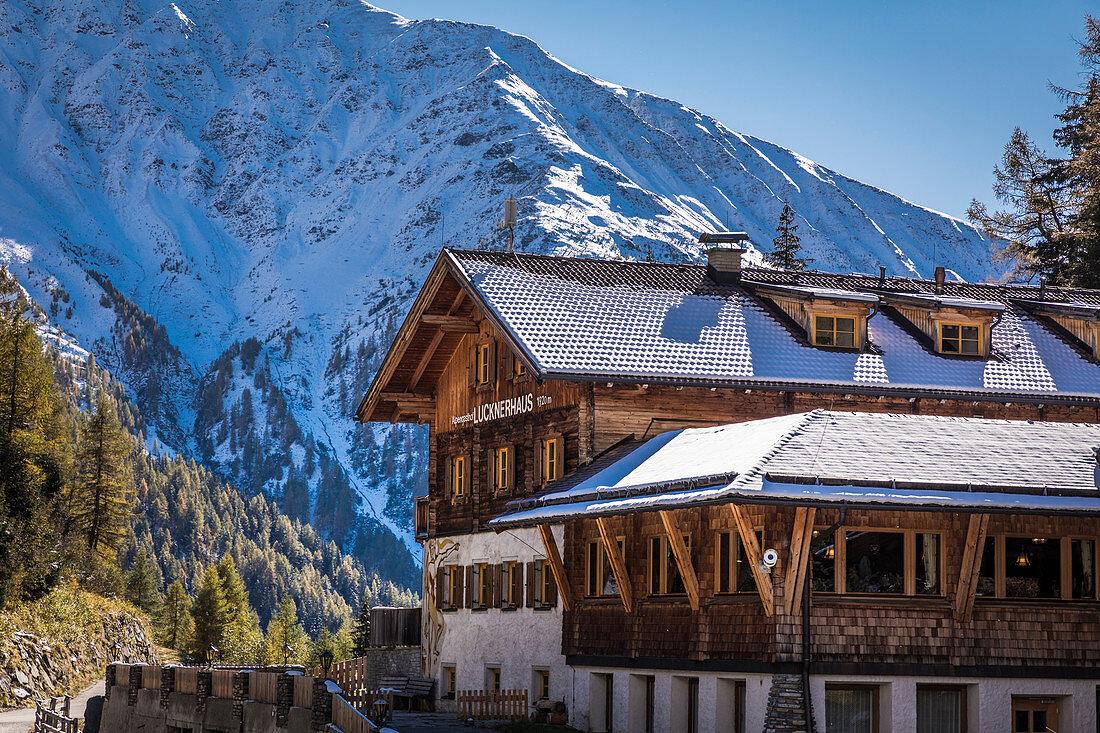Alpengasthof Lucknerhaus (1.920 m) im Ködnitztal, Kals am Großglockner, Osttirol, Tirol, Österreich