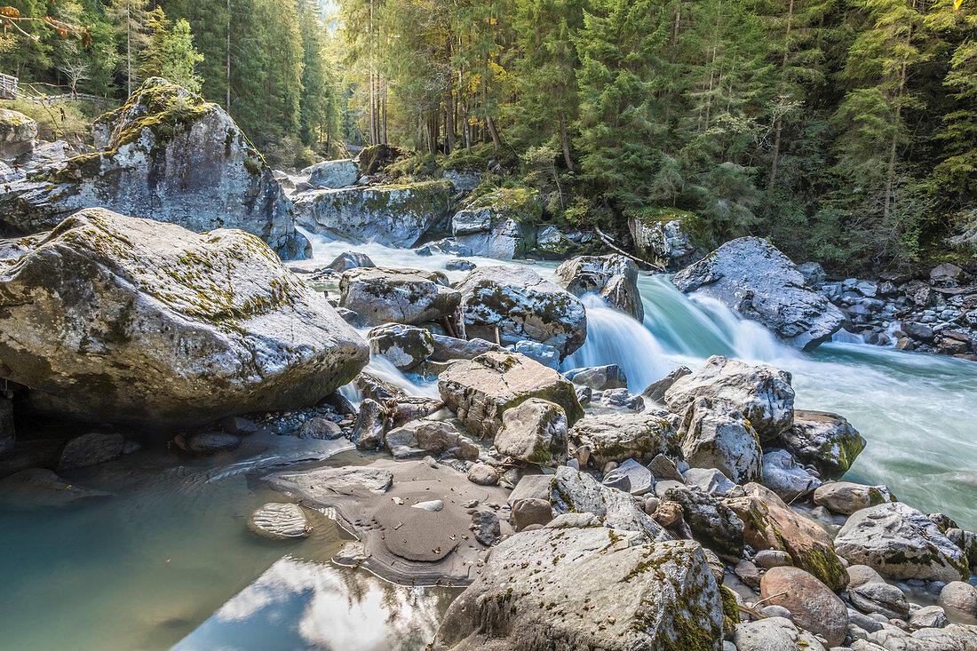 Stromschnellen der Ötztaler Ache im Ötztal, Oetz, Tirol, Österreich