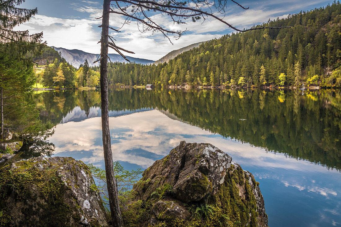 Piburger See bei Piburg im Ötztal, Tirol, Österreich