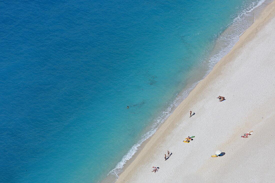 Der Myrtos Strand gilt als einer der schönsten Strände der Insel Kefalonia, Westküste, Ionische Inseln, Griechenland