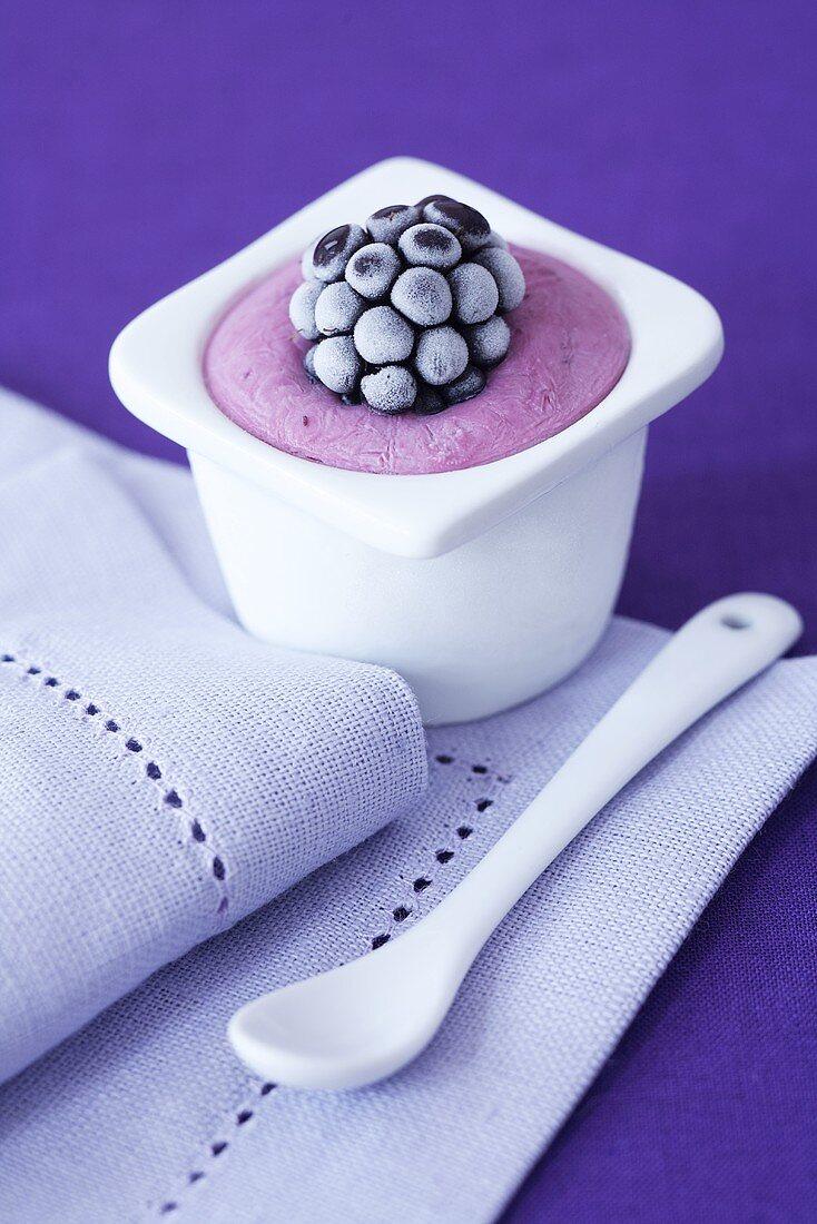 Semi frozen yogurt with blackberries