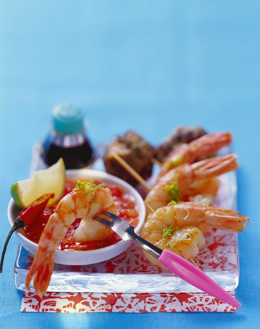 Shrimps with tomato and chili salsa