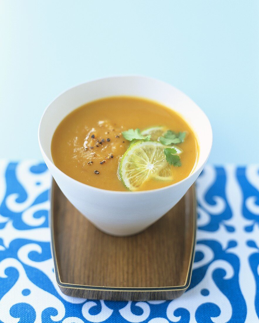 Creamed pumpkin soup with coconut