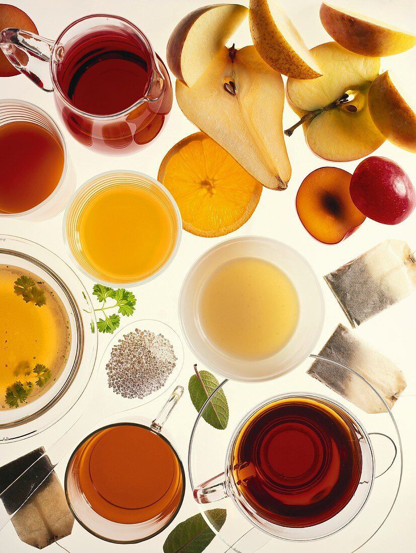 Picture symbolising therapeutic fasting (teas and fruit)