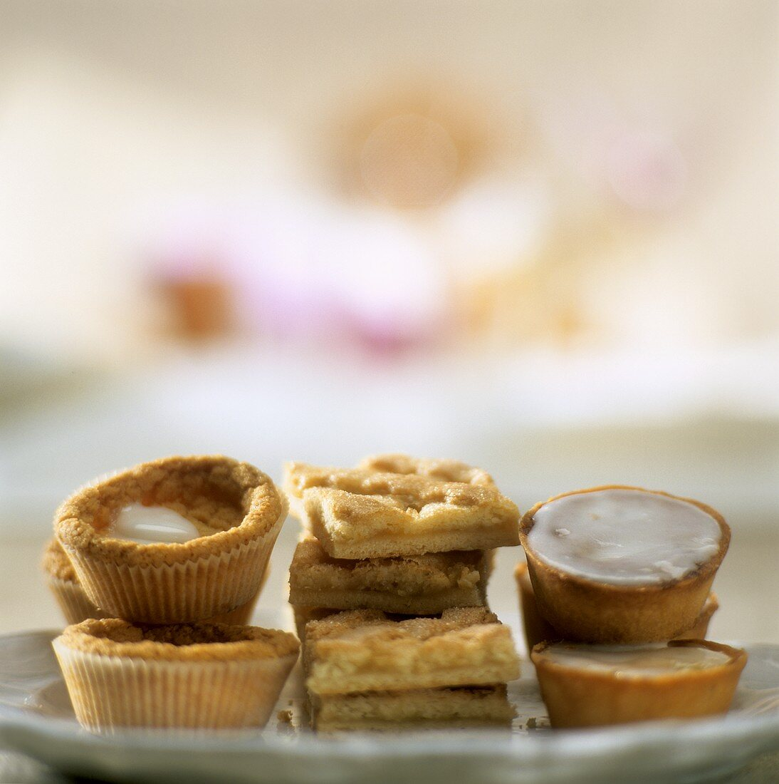 Small cakes with apple
