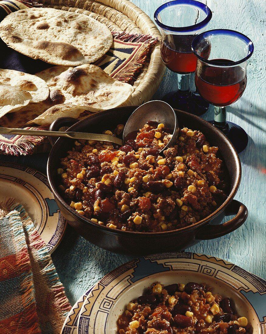 Chili con carne with wheat tortillas