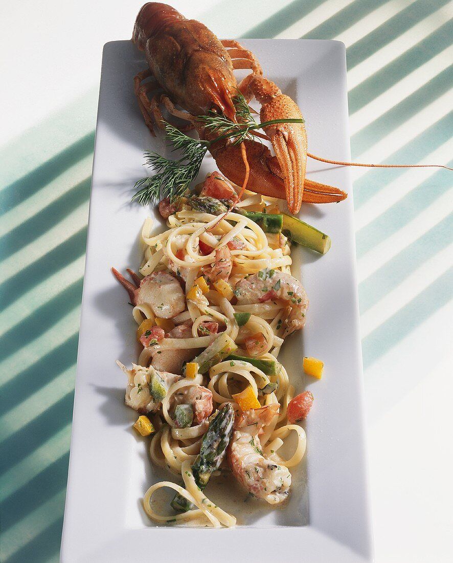 Bavette with freshwater crayfish