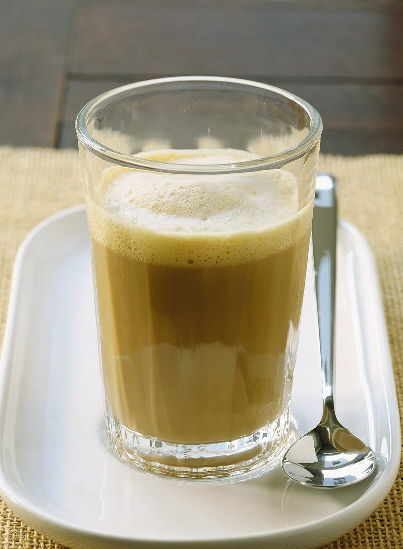 Cafe con leche (milky coffee, Spain)