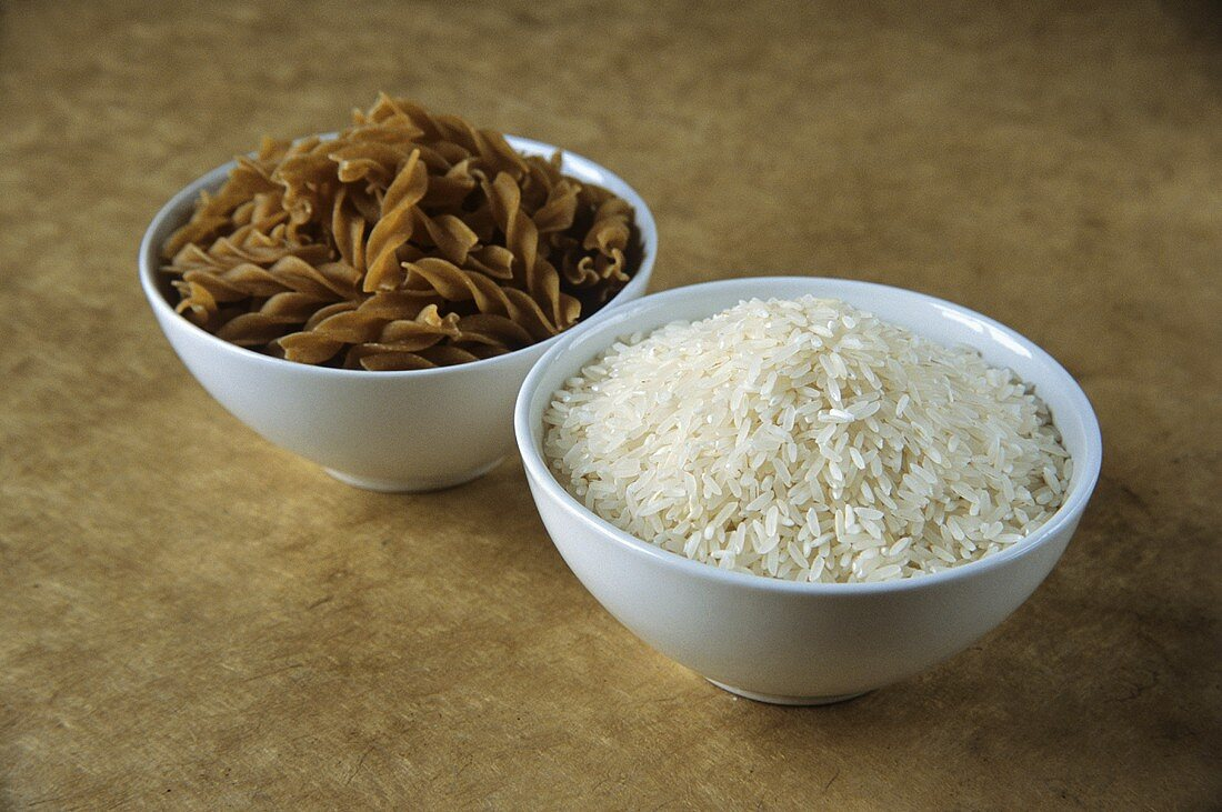 Picture symbolising GI diet: carbohydrates from wholemeal pasta & rice
