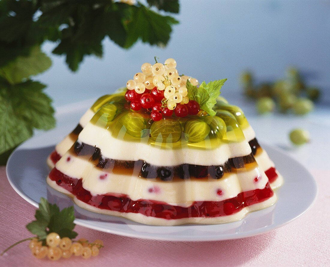 Rainbow jelly (Layered vanilla blancmange and berry jelly)