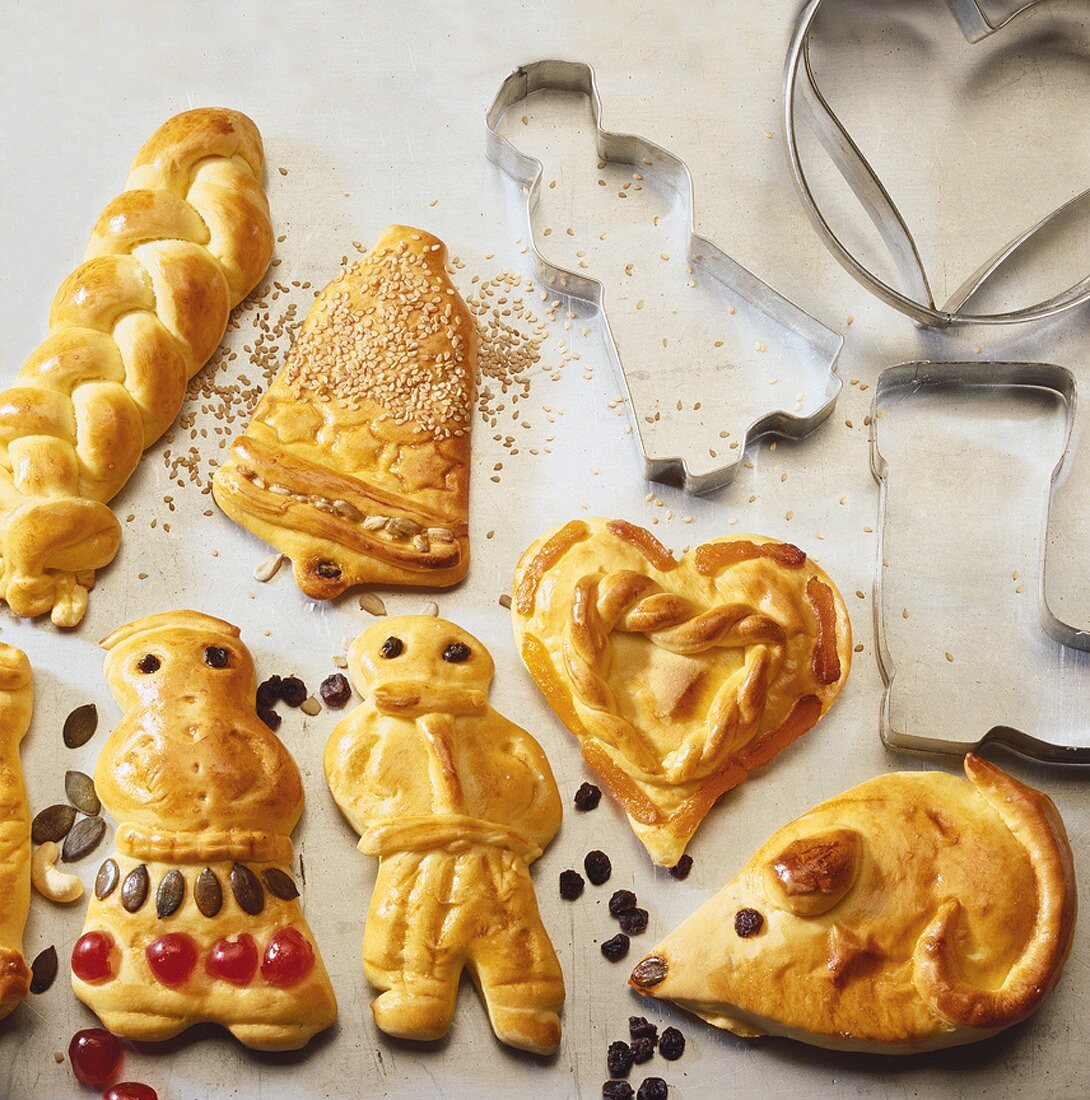 Figures, heart, mouse, bell and plait in yeast dough