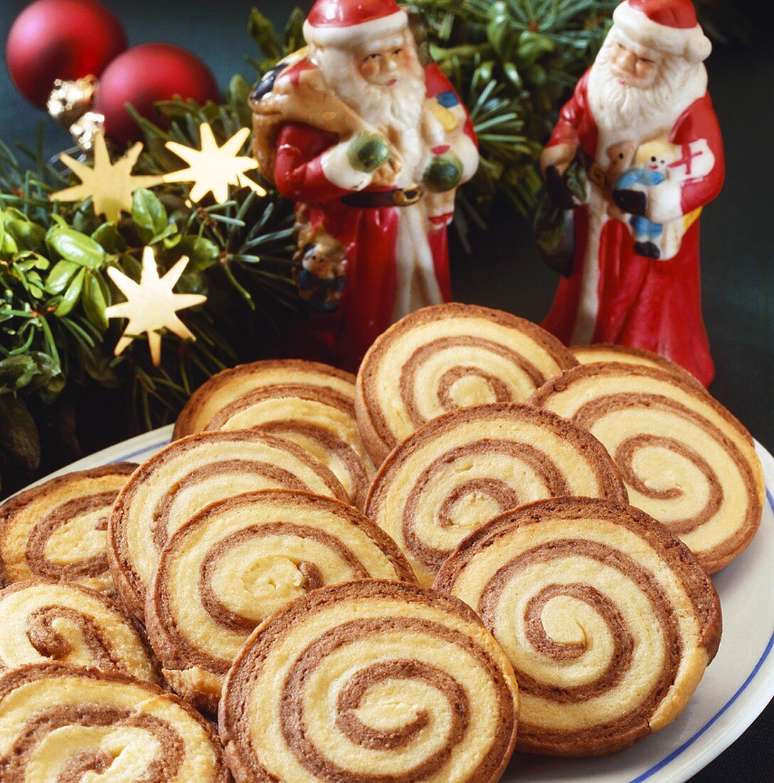 Christmas biscuits: chocolate and plain pinwheel biscuits