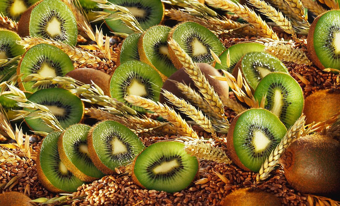 Kiwi fruit with cereals