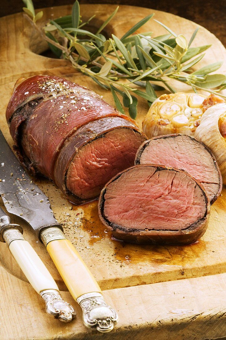 Beef fillet with tapenade wrapped in ham