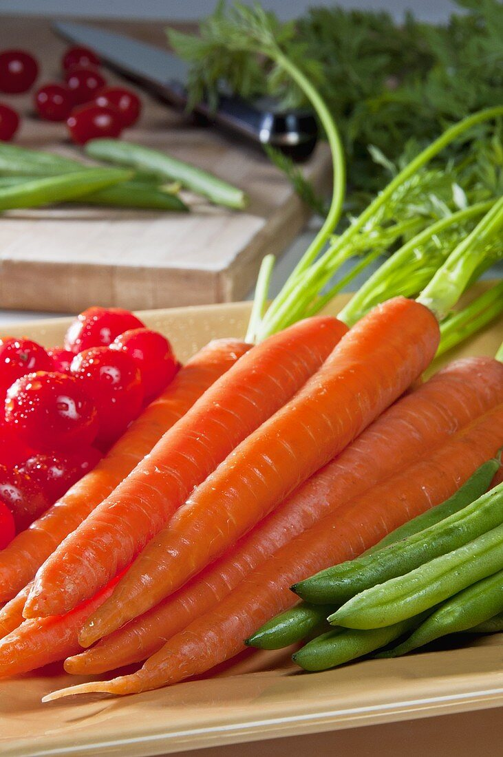 Organic Carrots with Green Beans and Grape Tomatoes
