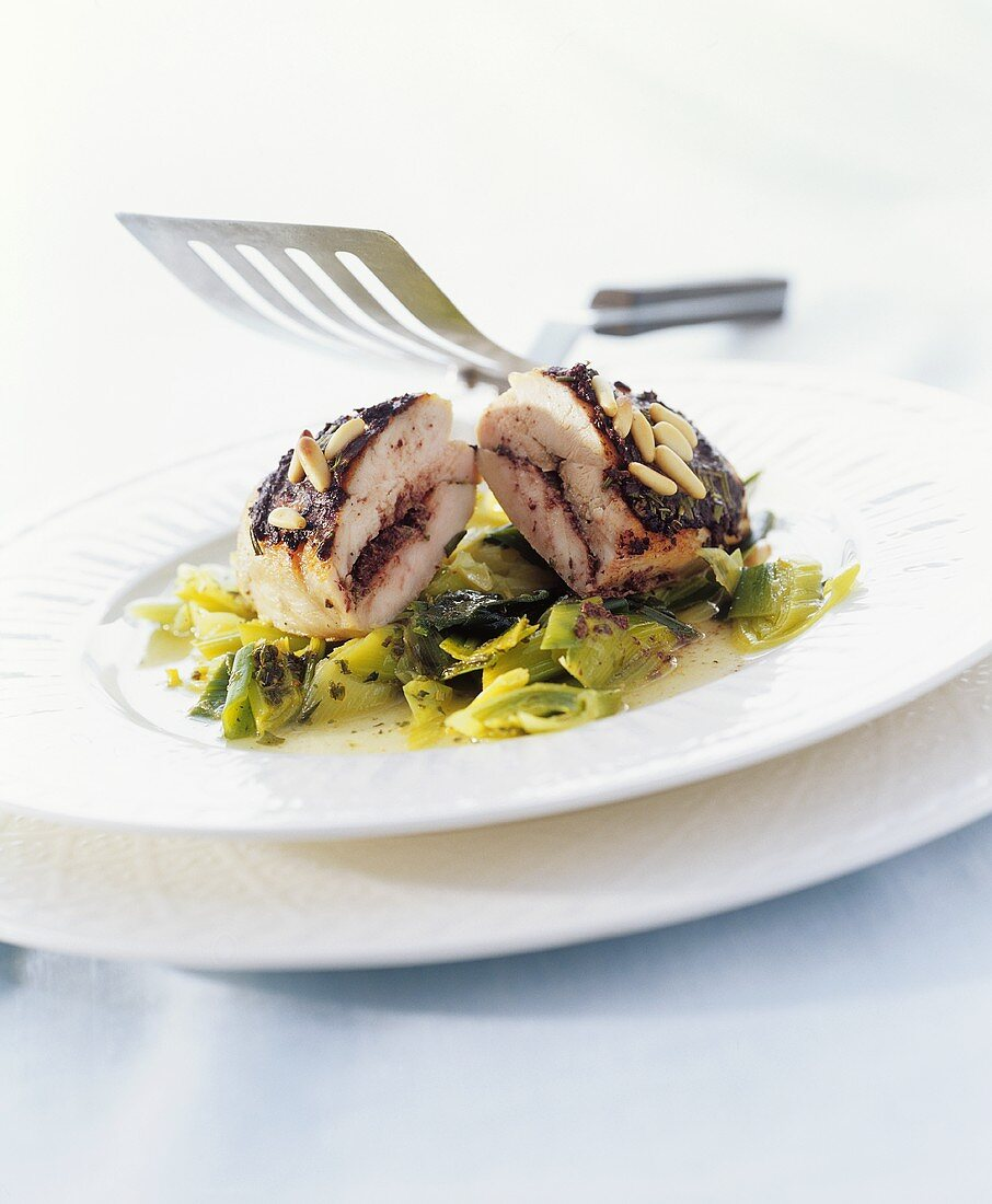 Chicken breast with tapenade on leeks