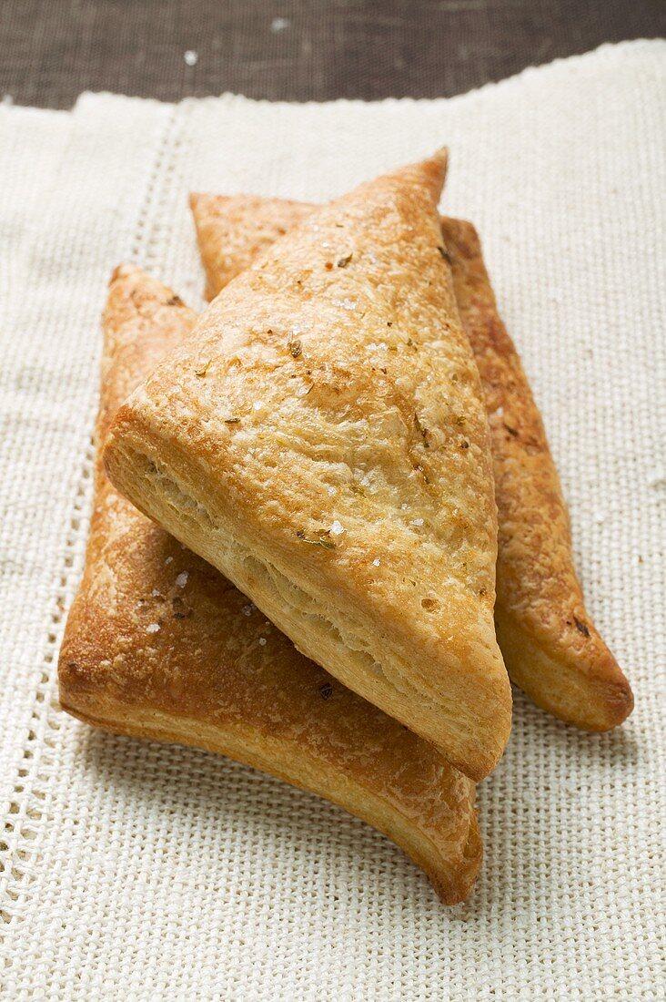 Triangular savoury puff pastry pasties
