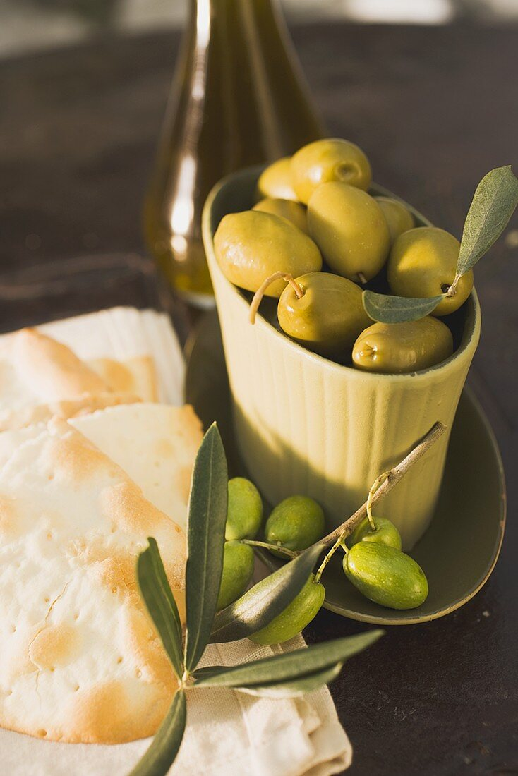 Green olives and crackers