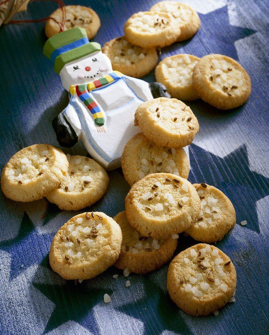 Tyrolean aniseed cookies with pearl sugar & snowman figure