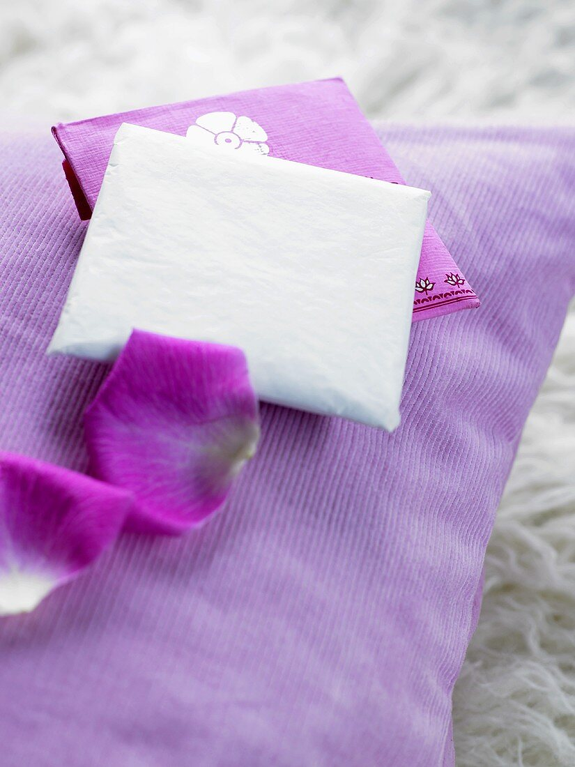 Scented sachet with rose essence