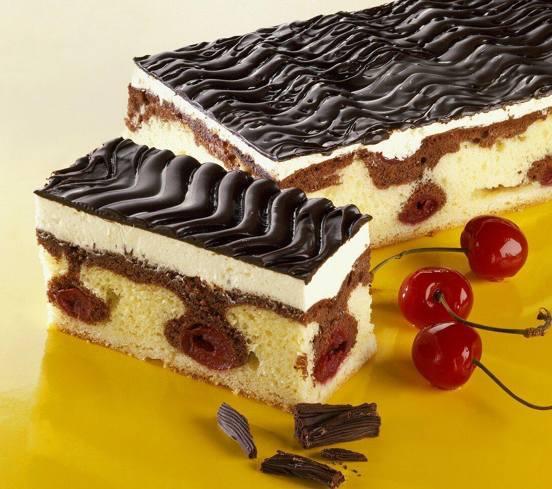 'Danube wave' cake (chocolate layer cake)