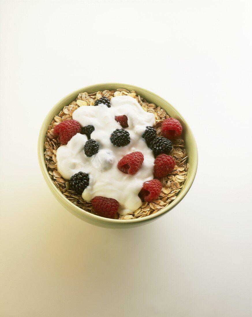Oat muesli with yoghurt and fresh berries