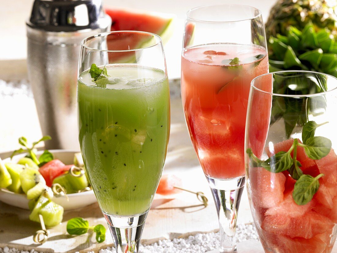 Kiwi fruit drink and watermelon drink (non-alcoholic)