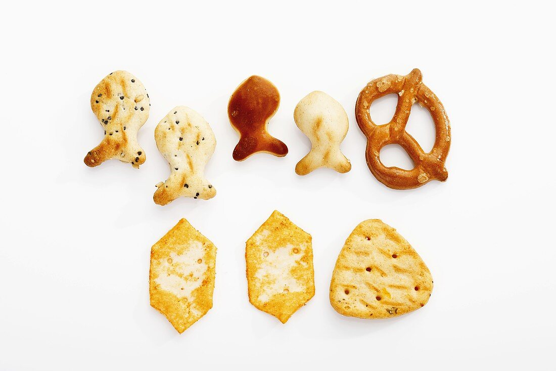 Assorted snacks (salted pretzels, crackers, fish-shaped crackers)