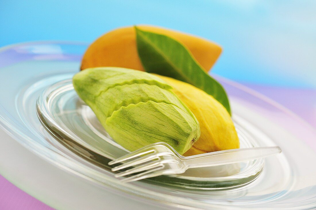 Green and yellow Thai mango